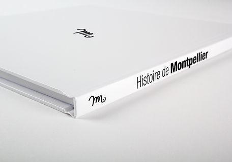 brochure-avec-couverture-rigide-6