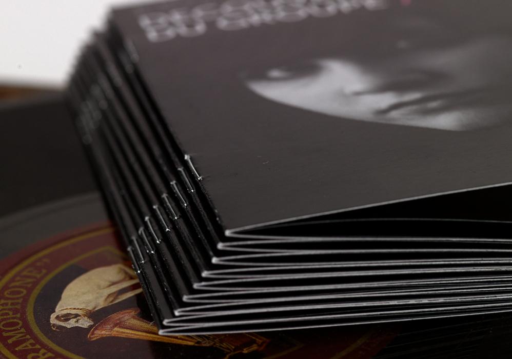 brochure-dos-carre-colle-sur-mesure-3