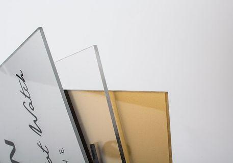 plaque-plexiglas